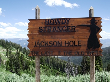 howdy-stranger-sign