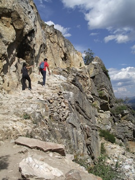cascade-canyon-trail